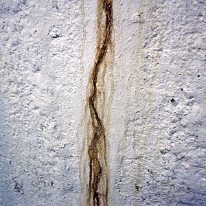 basement leaks and wall crack